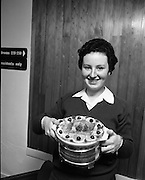 """Seafood Cook in Rosslare 07/05/1976.05/07/1976.7th May 1976.Miss Yvonne Cooney, Dominican Convent, Muckross Park Dublin, winner of the competition with her dish """" Cod Pancake Casserole""""."""