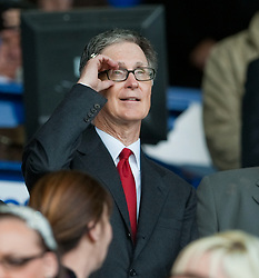 17.10.2010, Goodison Park, Liverpool, ENG, PL, Everton FC vs Liverpool FC, im Bild Liverpool's new owner John W. Henry is overawed at his first taste of the atmosphere as he attends the 214th Merseyside Derby match against Everton at Goodison Park, EXPA Pictures © 2010, PhotoCredit: EXPA/ Propaganda/ D. Rawcliffe *** ATTENTION *** UK OUT!