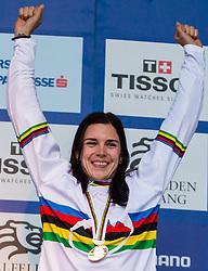 01-09-2012 MOUNTAINBIKE: UCI WK FOURCROSS: LEOGANG<br /> Wereldkampioene Anneke Beerten NED<br /> ***NETHERLANDS ONLY***<br /> ©2012-FotoHoogendoorn.nl