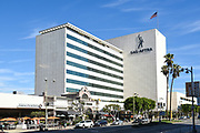 The Historic Miracle Mile Building SAG-AFTRA Plaza On Wilshire Blvd