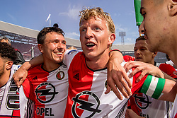 14-05-2017 NED: Kampioenswedstrijd Feyenoord - Heracles Almelo, Rotterdam<br /> In een uitverkochte Kuip speelt Feyenoord om het landskampioenschap / Spelers van Feyenoord vieren het kampioenschap. Steven Berghuis #19, Dirk Kuyt #7