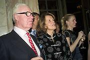 JOCELYN STEVENS, EMMA CHEAPE AND CHLOE DELAVIGNE. The Tatler Travel Awards 2008. The Ritz, Piccadilly. London. 3 December 2007. -DO NOT ARCHIVE-© Copyright Photograph by Dafydd Jones. 248 Clapham Rd. London SW9 0PZ. Tel 0207 820 0771. www.dafjones.com.