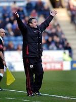 Photo: Leigh Quinnell.<br /> Leicester City v Southampton. The FA Cup. 28/01/2006.<br /> Hands up for Southampton manager George Burley after an FA cup win.