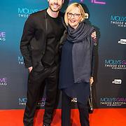 NLD/Amsterdam/20171212 - Première Molly's Game, Jord Knotter met zijn moeder