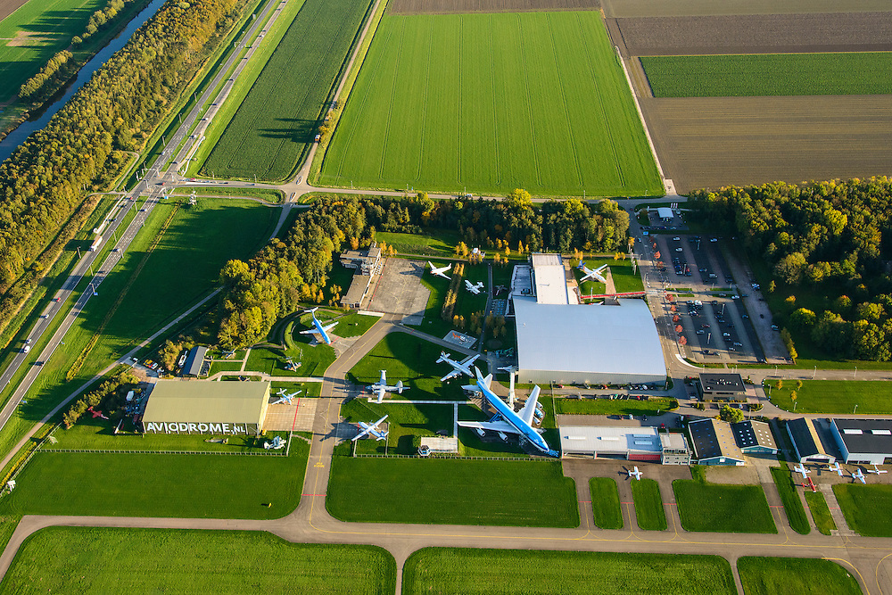 Nederland, Flevoland, Lelystad, 24-10-2013. Close-up Vliegveld Lelystad Airport met Nationaal Luchtvaart-Themapark Aviodrome.<br /> <br /> Close-up Lelystad Airport in the polder in between the farmland of the province Flevoland and museum Aviodrome.<br /> luchtfoto (toeslag op standaard tarieven);<br /> aerial photo (additional fee required);<br /> copyright foto/photo Siebe Swart.