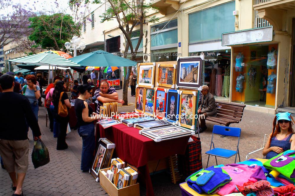 The weekly Tel Aviv arts and crafts fair, Nachlat Binyamin, Israel