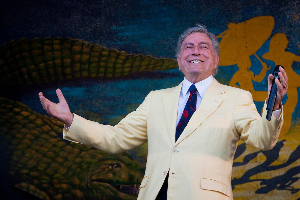 Tony Bennett performing on the Gentilly stage at the New Orleans Jazz and Heritage Festival at the New Orleans Fair Grounds Race Course in New Orleans, Louisiana, USA, 1 May 2009.