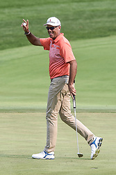 August 12, 2018 - Town And Country, Missouri, U.S - STEWART CINK from Duluth Georgia, USA waives to the crowd after getting an applause for sinking a long putt on the 18th green during round four of the 100th PGA Championship on Sunday, August 12, 2018, held at Bellerive Country Club in Town and Country, MO (Photo credit Richard Ulreich / ZUMA Press) (Credit Image: © Richard Ulreich via ZUMA Wire)