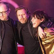 NLD/Amsterdam/20190212- Uitreiking Edison Pop 2019, Wende Snijders ontvangt een award met haar band