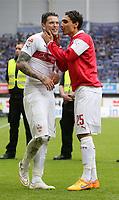 BILDET INNGÅR IKKE I FASTAVTALER<br /> <br /> Fotball<br /> Tyskland<br /> Foto: imago/Digitalsport<br /> NORWAY ONLY<br /> <br /> 23.05.2015 Paderborn Fußball 1. Bundesliga 34. Spieltag Saison 2014 / 2015 SC Paderborn 07 vs. VfB Stuttgart: v.l. Daniel Ginczek und Mohammed Abdellaoue (VfB)