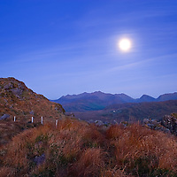 Fullmoon night over Macgillycuddys Reeks with view on Carrauntoohil, Iveragh Peninsula, County Kerry, ireland / ba002