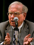 Omaha, Neb 5/7/06 Warren Buffett answers questions at the Berkshire Hathaway annual meeting press conference at the Marriott Hotel Sunday afternoon..(Chris Machian/Prairie Pixel Group)