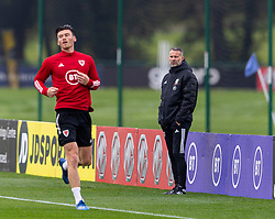 CARDIFF, WALES - Monday, October 5, 2020: Wales' manager Ryan Giggs (R) and Kieffer Moore during a training session at the Vale Resort ahead of the International Friendly match against England. (Pic by David Rawcliffe/Propaganda)