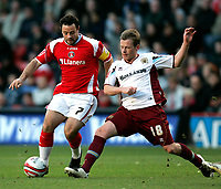 Photo: Tom Dulat/Sportsbeat Images.<br /> <br /> Charlton Athletic v Burnley. Coca Cola Championship. 01/12/2007.<br /> <br /> Alan Mahon of Burnley and Andy Reid of Charlton Athletic with the ball.