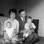 Photo of the Des Bensons family