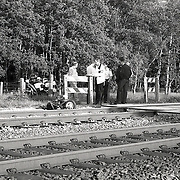 NLD/Hilversum/19930617 - Ongeval Maartensdijkseweg Hilversum, brommer onder trein, 2 doden