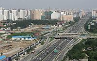 Ueberblick auf die Autobahn und einen Teil des Olympiagelaendes (links) © Urs Bucher/EQ Images