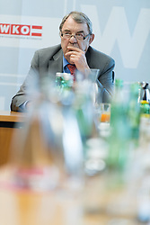 """10.03.2017, WKÖ, Wien, AUT, Pressekonferenz """"Startschuss zur Wirtschaftskammer-Reform WKO 4.0"""", im Bild Richard Schenz (Liste Industrie) // during press conference of the President of the Austrian Economic Chamber in Austria in Vienna, Austria on 2017/03/10, EXPA Pictures © 2017, PhotoCredit: EXPA/ Michael Gruber"""