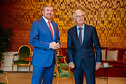 DEN HAAG - Koning Willem-Alexander ontving vanochtend op paleis Huis Ten Bosch de voorzitter van de Eerste Kamerfractie van de VVD, mevrouw Annemarie Jorritsma-Lebbink. Foto: ROTAPOOL | Wesley de Wit