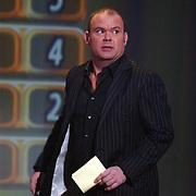 Finale Nationaal Songfestival 2005, Paul de Leeuw