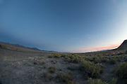 Het woestijnlandschap bij Battle Mountain in Nevada.<br /> <br /> The desert at sunset near Battle Mountain.