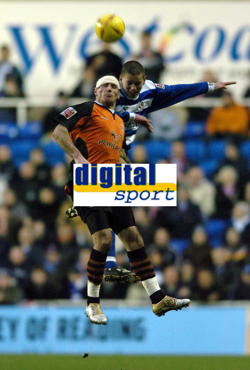 Fotball<br /> England 2004/2005<br /> Foto: SBI/Digitalsport<br /> NORWAY ONLY<br /> 22.01.2005<br /> <br /> Reading v Ipswich Town <br /> Coca-Cola Championship<br /> <br /> Ivar Ingimarsson of Reading challenges Shefki Kuqi of Ipswich in the air.