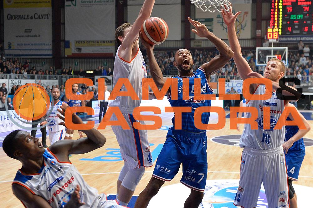 DESCRIZIONE : Cantu, Lega A 2015-16 Acqua Vitasnella Cantu' Enel Brindisi<br /> GIOCATORE : Alexander Harris<br /> CATEGORIA : Tiro<br /> SQUADRA : Enel Brindisi<br /> EVENTO : Campionato Lega A 2015-2016<br /> GARA : Acqua Vitasnella Cantu' Enel Brindisi<br /> DATA : 31/10/2015<br /> SPORT : Pallacanestro <br /> AUTORE : Agenzia Ciamillo-Castoria/I.Mancini<br /> Galleria : Lega Basket A 2015-2016  <br /> Fotonotizia : Cantu'  Lega A 2015-16 Acqua Vitasnella Cantu'  Enel Brindisi<br /> Predefinita :