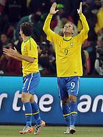 Fotball<br /> VM 2010<br /> 20.06.2010<br /> Brasil v Elfenbenskysten<br /> Foto: Witters/Digitalsport<br /> NORWAY ONLY<br /> <br /> Jubel 2:0 Torschuetze Luis Fabiano (Brasilien) <br /> Fussball WM 2010 in Suedafrika, Vorrunde, Brasilien - Elfenbeinkueste