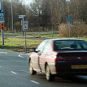 Per 1 januari mogen bromfitser op de weg Randweg Huizen, bord