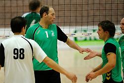 27-10-2012 VOLLEYBAL: VV ALTERNO - E DIFFERENCE SSS: APELDOORN<br /> Eerste divisie A mannen - Alterno wint met 4-0 van SSS / Roy Vleeming<br /> ©2012-FotoHoogendoorn.nl
