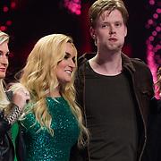NLD/Hilversum/20180216 - Finale The voice of Holland 2018, Sanne hans en Samantha Steenwijk, winnaar Jim van der Zee en zijn coach Anouk Teeuwe