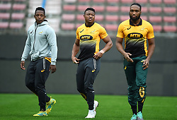 Cape Town-180622 Springbok players Sbu Nkosi,Aphiwe Dyantyi and Lukhanyo Am  having a practice during the captain's run at Newlands.The team will be facing England in their last test game at Newlines stadium.Photographer:Phando Jikelo/African News Agency/ANA