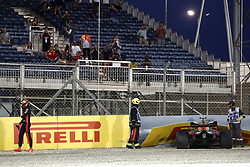 April 7, 2018 - Sakhir, Bahrain - Motorsports: FIA Formula One World Championship 2018, Grand Prix of Bahrain,#33 Max Verstappen (NDL, Red Bull Racing) crashes in qualifying. (Credit Image: © Hoch Zwei via ZUMA Wire)