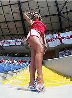 Fotball, 17. juni 2004, EM, Euro 2004, Sveits- England, Fan, fans, supporter, ben, illustrasjon<br /> <br /> Foto: Digitalsport