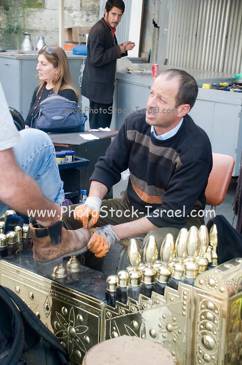 Turkey, Istanbul, Shoeshine stand