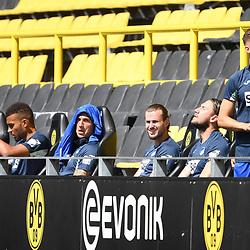 27.06.2020, xmeix, 1.Fussball Bundesliga, Borussia Dortmund - TSG 1899 Hoffenheim, empor. v.l.n.r, <br /> Hoffenheimer Auswechselbank <br /> <br /> <br /> <br /> Foto: Sascha Meiser/APF/Pool/PIX-Sportfotos<br /> <br /> Nur für journalistische Zwecke!<br /> Only for editorial use!<br /> Nutzungsbedingungen: http://poolbilder.de/nutzungsvereinbarung.pdf<br /> <br /> Foto © PIX-Sportfotos *** Foto ist honorarpflichtig! *** Auf Anfrage in hoeherer Qualitaet/Aufloesung. Belegexemplar erbeten. Veroeffentlichung ausschliesslich fuer journalistisch-publizistische Zwecke. For editorial use only. DFL regulations prohibit any use of photographs as image sequences and/or quasi-video.