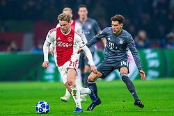 12-12-2018 NED: Champions League AFC Ajax - FC Bayern Munchen, Amsterdam<br /> Match day 6 Group E - Ajax - Bayern Munchen 3-3 / Frenkie de Jong #21 of Ajax, Leon Goretzka #18 of Bayern Munich