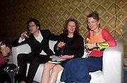 Rachel Whiteread, Silent auction of works by leading artists to celebrate ArtangelÍs 10th birthday. the Old Sierra Leonne Embassy, 33, Portland Place. 7 June 2003. © Copyright Photograph by Dafydd Jones 66 Stockwell Park Rd. London SW9 0DA Tel 020 7733 0108 www.dafjones.com