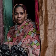 20190204 Calcutta, West Bengal Indien<br /> Malik Ghat Kolkata<br /> Porträtt av en kvinna vid Malik Ghat<br /> <br /> FOTO : JOACHIM NYWALL KOD 0708840825_1<br /> COPYRIGHT JOACHIM NYWALL<br /> <br /> ***BETALBILD***<br /> Redovisas till <br /> NYWALL MEDIA AB<br /> Strandgatan 30<br /> 461 31 Trollhättan<br /> Prislista enl BLF , om inget annat avtalas.