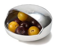 decorative modern metal fruit bowl