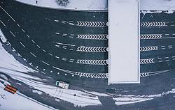 THEMENBILD - Schneefall und leere Strassen am Südportal der Felbertauernstrasse in Osttirol, aufgenommen am 27. März 2020 während der Coronavirus Krise in Matrei i.O., Österreich // Snowfall and empty roads at the south portal of the Felbertauernstrasse in Osttirol, Matrei i.O. during the Coronavirus Crisis from above, Austria on 2020/03/27. EXPA Pictures © 2020, PhotoCredit: EXPA/ JFK