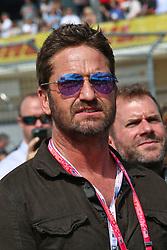 Formel 1: Grosser Preis der USA in Austin, Renntag / 231016<br /> <br /> ***Gerard Butler (GBR) Actor on the grid.<br /> 23.10.2016. Formula 1 World Championship, Rd 18, United States Grand Prix, Austin, Texas, USA, Race Day.<br /> ***