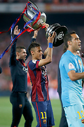 30.05.2015, Camp Nou, Barcelona, ESP, Copa del Rey, Athletic Club Bilbao vs FC Barcelona, Finale, im Bild FC Barcelona's Neymar Santos Jr celebrates the victory // during the final match of spanish king's cup between Athletic Club Bilbao and Barcelona FC at Camp Nou in Barcelona, Spain on 2015/05/30. EXPA Pictures © 2015, PhotoCredit: EXPA/ Alterphotos/ Acero<br /> <br /> *****ATTENTION - OUT of ESP, SUI*****