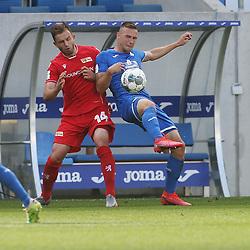 Ken Reichel (1.FC Union Berlin) und Pavel Kaderabek (TSG 1899 Hoffenheim)<br /> <br /> Sport: Fussball: Bundesliga: Saison 19/20: TSG 1899 Hoffenheim-1.FC Union Berlin, 20.06.2020.<br /> <br /> Foto: RALF POLLER/AVANTI/POOL/PIX-Sportfotos<br /> <br /> Nur für journalistische Zwecke! Only for editorial use! <br /> Gemäß den Vorgaben der DFL Deutsche Fußball Liga ist es untersagt, in dem Stadion und/oder vom Spiel angefertigte Fotoaufnahmen in Form von Sequenzbildern und/oder videoähnlichen Fotostrecken zu verwerten bzw. verwerten zu lassen. DFL regulations prohibit any use of photographs as image sequences and/or quasi-video.
