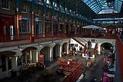 Londyn 2009-03-05<br /> . Covent Garden Market, stary targ warzywny przekształcony w pasaże ze sklepami i barami.