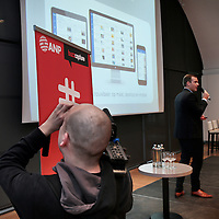 Nederland, Amsterdam , 26 maart 2015.<br />  Buzzcapture en ANP organiseren samen Buzz15. Hét jaarlijkse evenement voor klanten en prospects: marketing-communicatie managers, woordvoerders, corporate communicatie managers en CEO's in de Hermitage.<br /> Op de foto: Florian Boelman, marketing manager ANP en Alex van Leeuwen van Buzzcapture.<br /> Foto:ANPinOpdracht/Jean-Pierre Jans