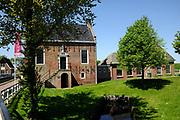 Hindeloopen is een kleine stad in de Friese gemeente Súdwest-Fryslân. Op 1 januari 2006 telde Hindeloopen, dat aan het IJsselmeer ligt, 870 inwoners. Het is daarmee een van de kleinere Friese elf steden.<br /> <br /> Hindeloopen is a small town in the Frisian town Súdwest-Friesland. On January 1, 2006 Hindeloopen, that is counted at the IJsselmeer, 870 people. It is one of the smaller eleven Frisian cities.<br /> <br /> Op de foto / On the photo:  voormalig stadhuis, nu museum Hindelopen / former town hall, now a museum Hindelopen