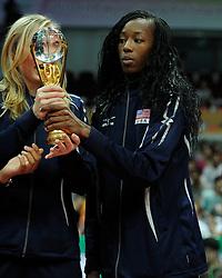 29-08-2010 VOLLEYBAL: WGP FINAL AWARDING CEREMONY: BEILUN NINGBO<br /> The World Grand Prix Award 2010 for Destinee Hooker<br /> ©2010-WWW.FOTOHOOGENDOORN.NL