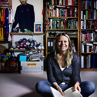 Nederland, Amsterdam , 22 oktober 2014.<br /> Annemarie Postma, Sportjournalist (Het Parool)/voetbaltrainer (Topscore Amsterdam, sv De Meer)<br /> Foto:Jean-Pierre Jans