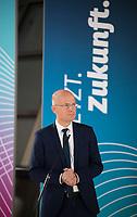 DEU, Deutschland, Germany, Berlin, 17.11.2020: Ralph Brinkhaus, Vorsitzender der CDU/CSU-Bundestagsfraktion, bei einem Pressestatement im Deutschen Bundestag.